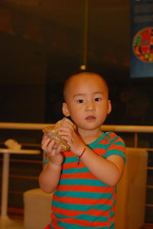 Yoyo参与的吃粽子比赛