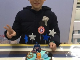 Yo哥9周岁生日快乐。